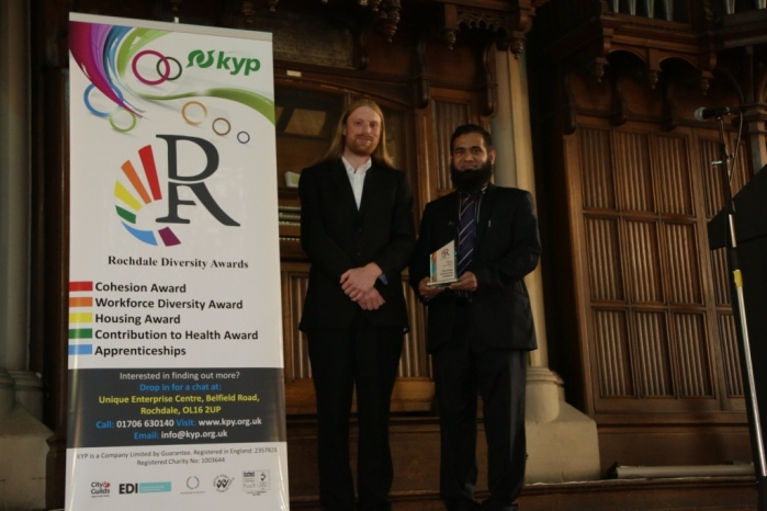 Breaking Barriers Award - Winner Rochdale Community Transport - Sohail Ahmed, Board Memeber of RCT, with Will Ward, Programme Manager at the Challenge Network